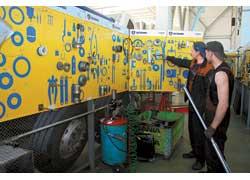 Многочисленные инструменты позволяют выполнять самый сложный ремонт.