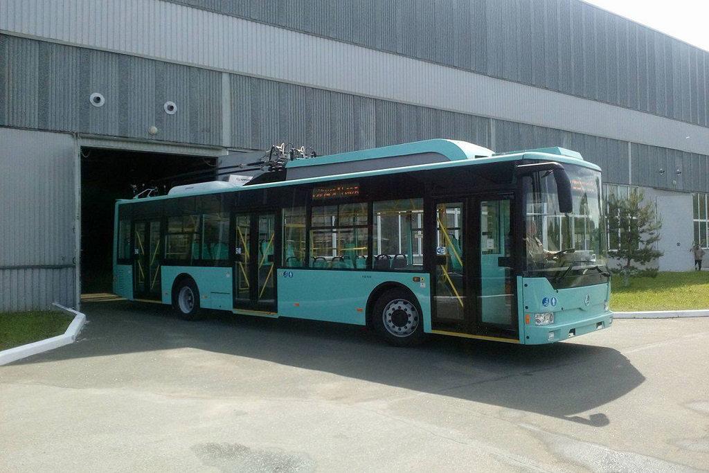 Модернизированный троллейбус «Барвинок» выпустили в Чернигове