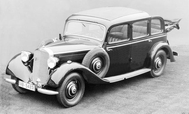 Первый серийный дизельный легковой автомобиль Mercedes 260D оснащался ТНВД Bosch