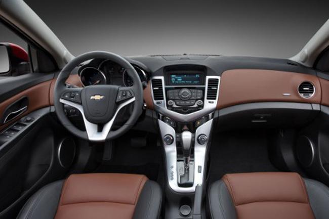 салон интерьера Chevrolet Cruze
