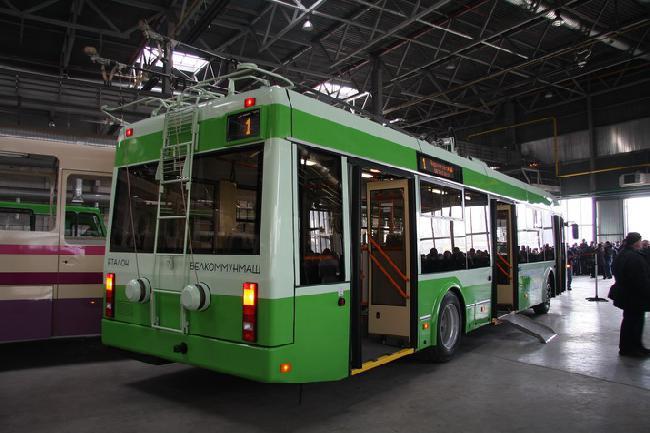 первый троллейбус,Черниговский автозавод