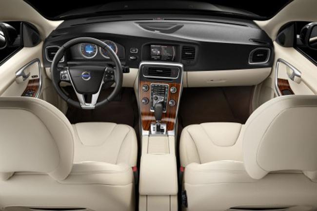 салон интерьера Volvo S60