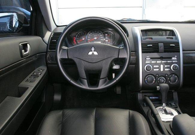 Салон Mitsubishi Galant IX