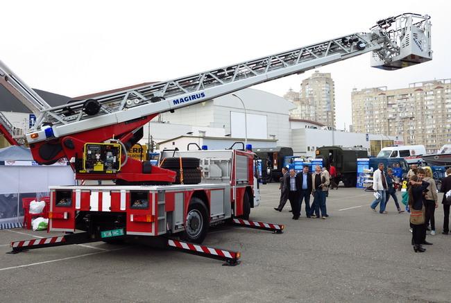 Пожарная автолестница IVECO Magirus M32L