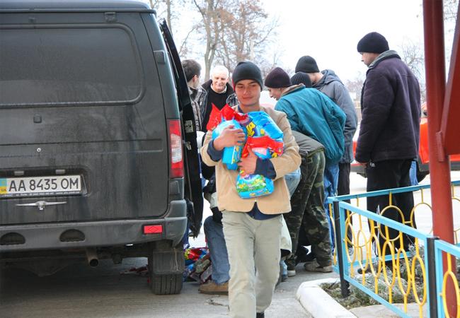 ais_detyam_avtoprobeg_2_благотворительный автопробег «АИС-детям»