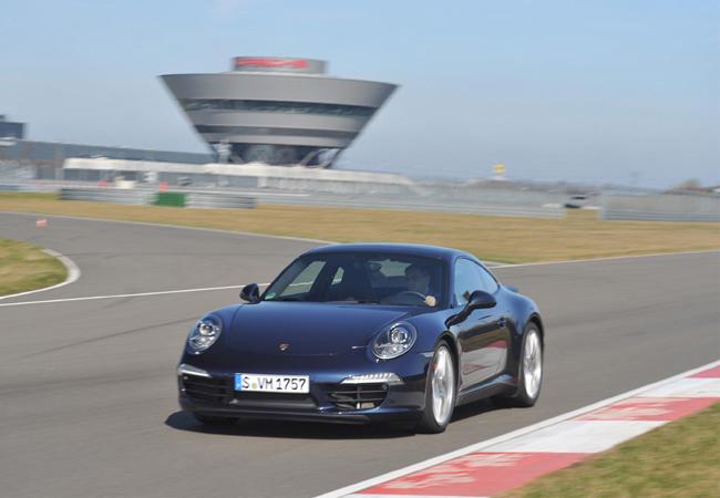 На автосалоне в Нью-Йорке 2012 выбран Всемирный автомобиль года