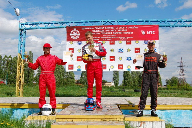 Чемпионат Украины по картингу, Андрей Иванов возглавляет подиум класса KZ-2