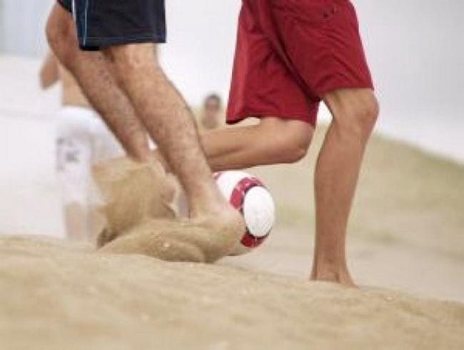 Автоклубы сыграют в футбол на пляже