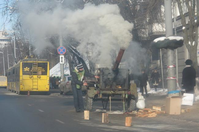 В киевских троллейбусах открыли пункты обогрева