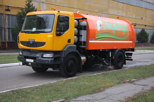 «АвтоКрАЗ» продолжает наращивать объемы производства