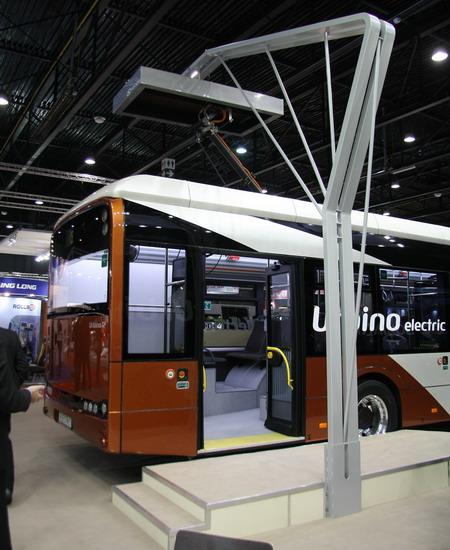 городской низкопольный электробус Urbino 12