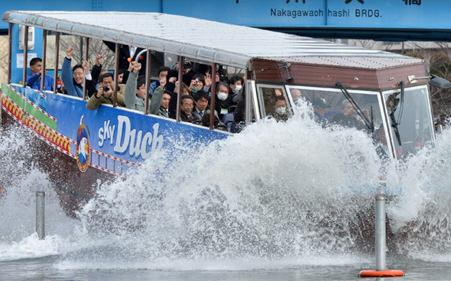 Автобус-амфибия The Sky Duck