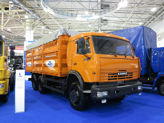 TIR 2012: новинка КАМАЗ-53215