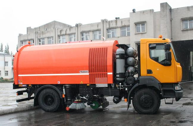 подметально-уборочный автомобиль КрАЗ-5401К2 с газовым двигателем