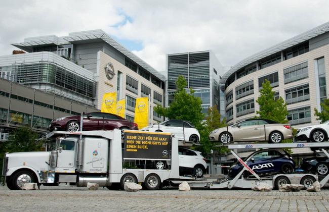 Автовоз для рекламы автомобилей Opel