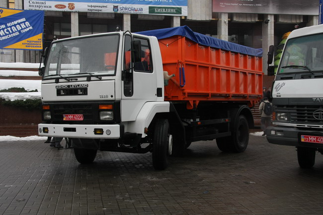 Индийские грузовики Ashok Leyland 1518