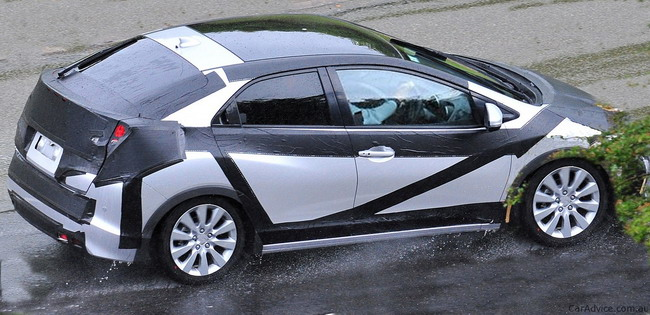 Honda Civic 5D 2012 года