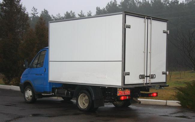 бескаркасный изотермический фургон КИ 3230