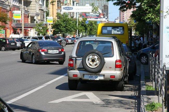 Рада хочет поднять штрафы за нарушения правил парковки