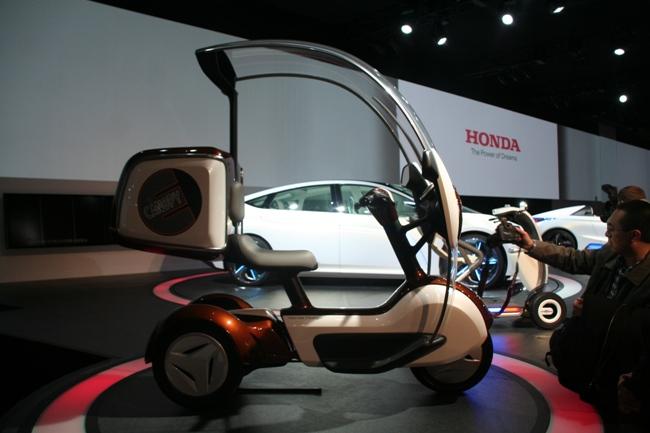 скутер Honda Е-Canopy