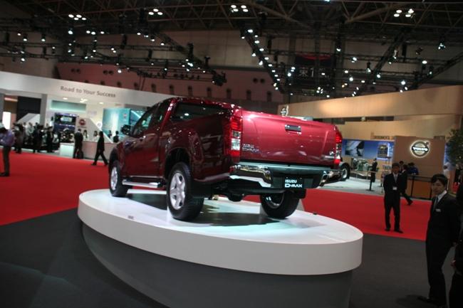 Автомобиль по пасспорту может перевозить 1 тонну грузов
