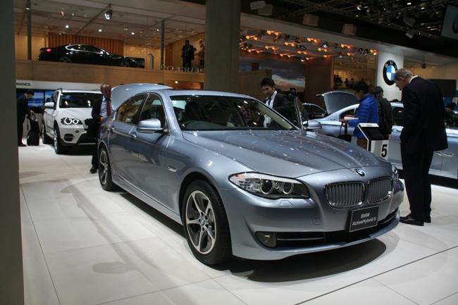 Автомобиль способен мчаться с максимальной скоростью 250 км/ч