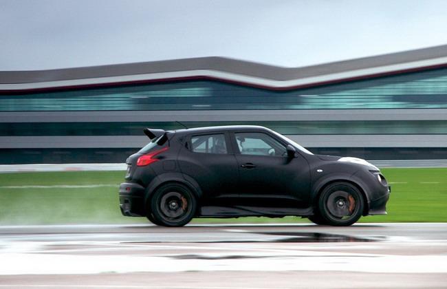 тесты заряженного кроссовера Nissan Juke-R