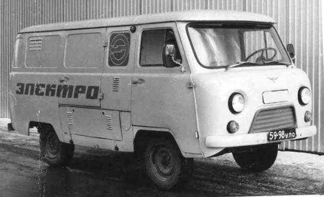 УАЗ оставался в струе, выпуская опытные электромобили и гибриды