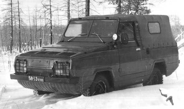 """Плавающий УАЗ """"Ягуар"""" должен был заменить УАЗ-469 в армии, но распад Союза помешал планам"""