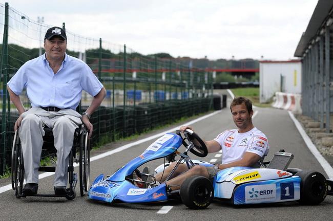 Оба Себастьяна имели возможность протестировать электрические карты перед гонкой. На фото Лоэб вместе с организатором гонки - Филиппом Стрейффом