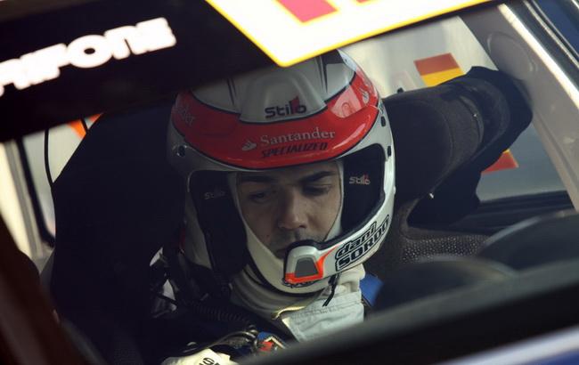 Возможно, вопрос был в том, что в 2010-м гожу этот асфальтовый специалист был за рулем Citroen C4, а в этот раз Mini WRC, да еще и частной...