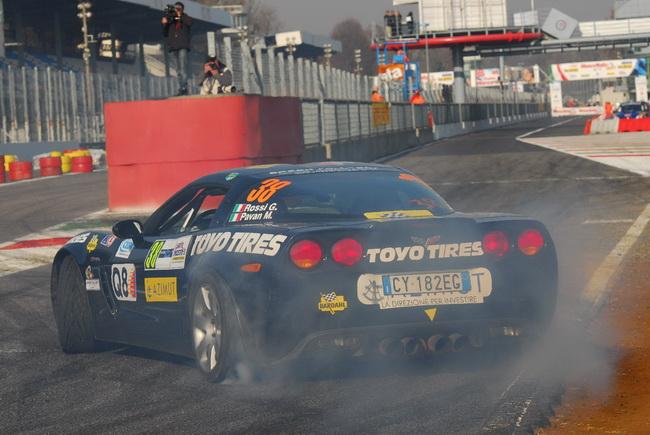 Для Мастер Шоу был даже задействован пит-лейн, по которому проносились и заднеприводные автомобили GT, коих на Монца Ралли Шоу было также немало