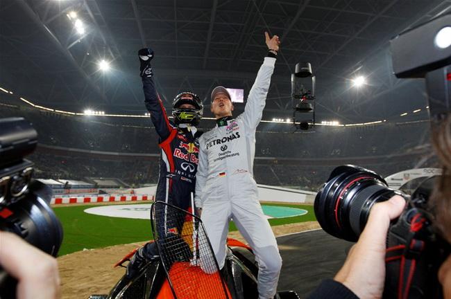 Вполне заслуженно эта пара немецких Чемпионов Мира в Формуле-1 имела право ликовать - они победили в Гонке Наций в пятый раз подряд!