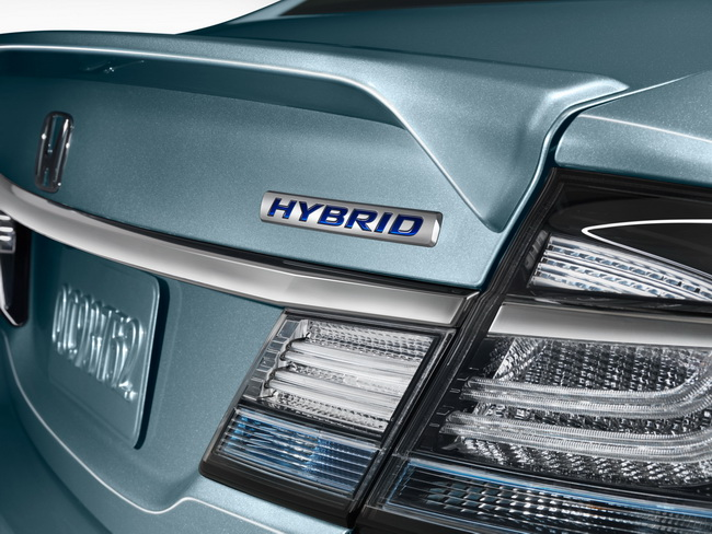 Автосалон в Лос-Анджелесе 2012: седан Honda Civic Hybrid