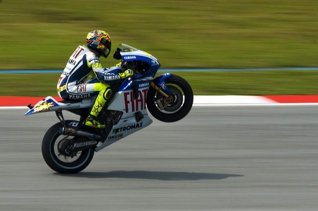 Валентино Росси - самый популярный гонщик в Twitter