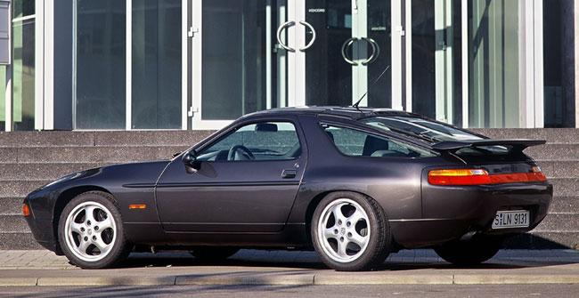 купе Porsche 928