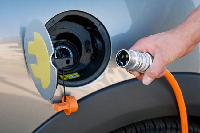 пошлины на импорт электромобилей в Россииё