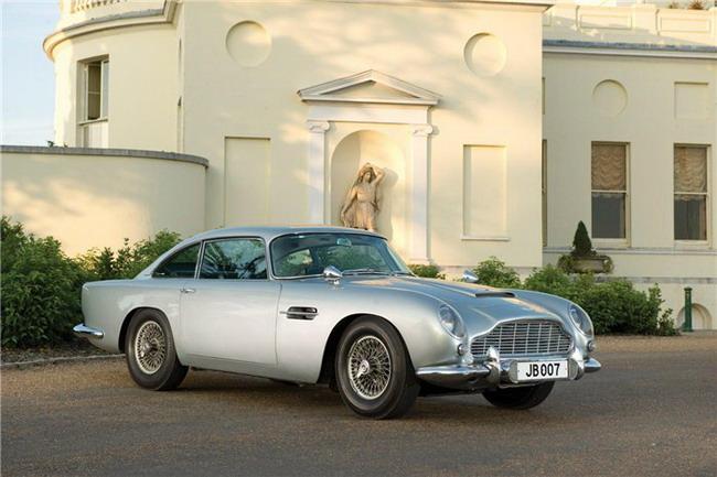 спорткар Aston Martin DB5