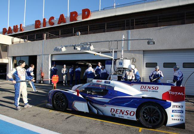 Гибридный болид Toyota для гонки 24 часа Ле-Мана