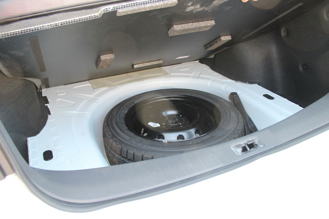 Новый Nissan Almera на тесте «Автоцентра»