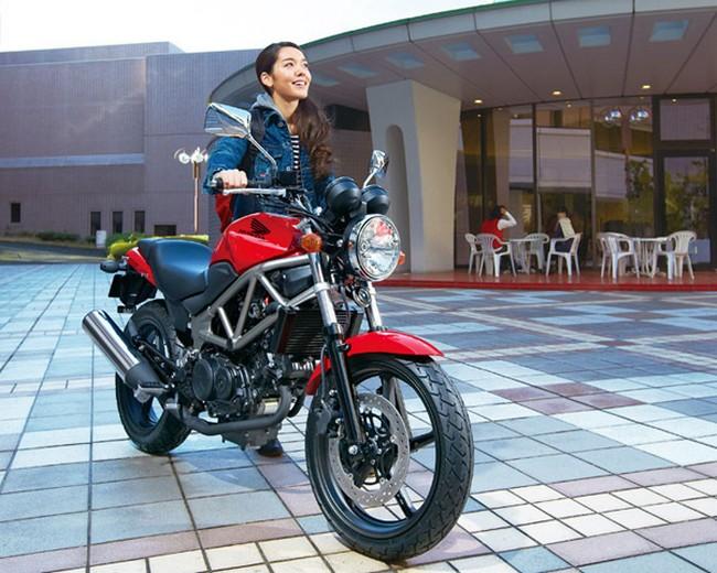Honda представила обновленный VTR 250