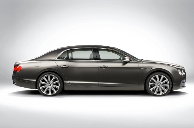 Новый Bentley Continental Flying Spur