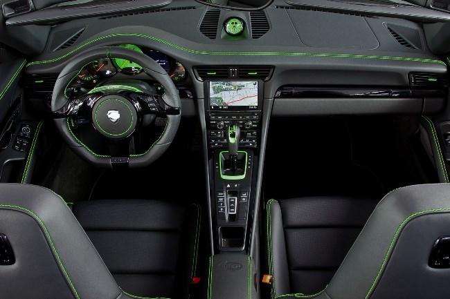 Porsche 911 Carrera 4 от TechArt может менять клиренс