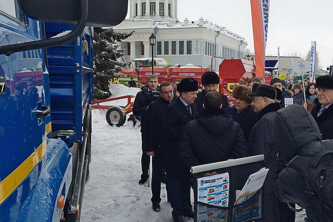 Зерновоз модели 68902С на базе КАМАЗ-65117-34