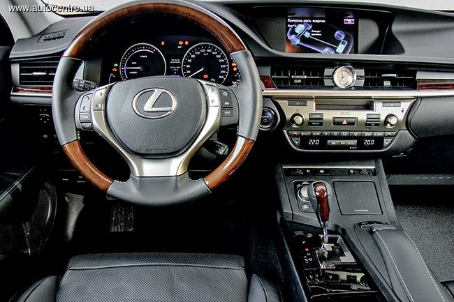 Тест-драйв Lexus ES 300h: Параллельный мир - Автоцентр.ua