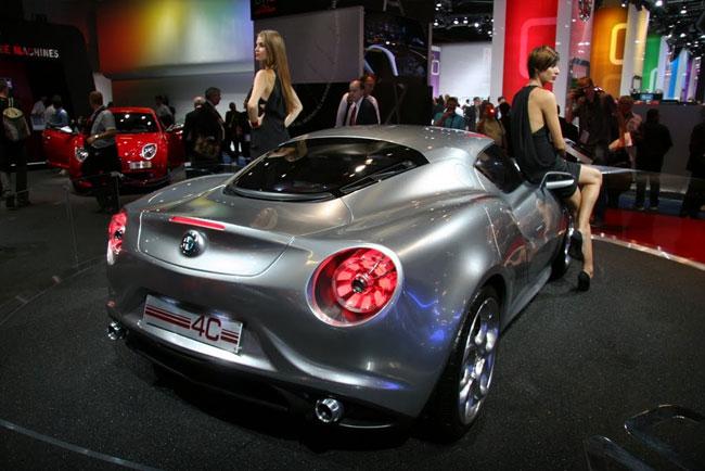Франкфуртский автосалон 2011: представлен концепт Alfa Romeo 4C
