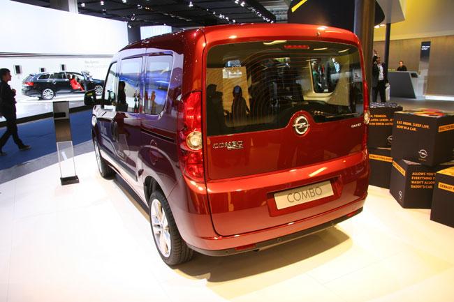 Франкфуртский автосалон 2011: Opel представил Combo