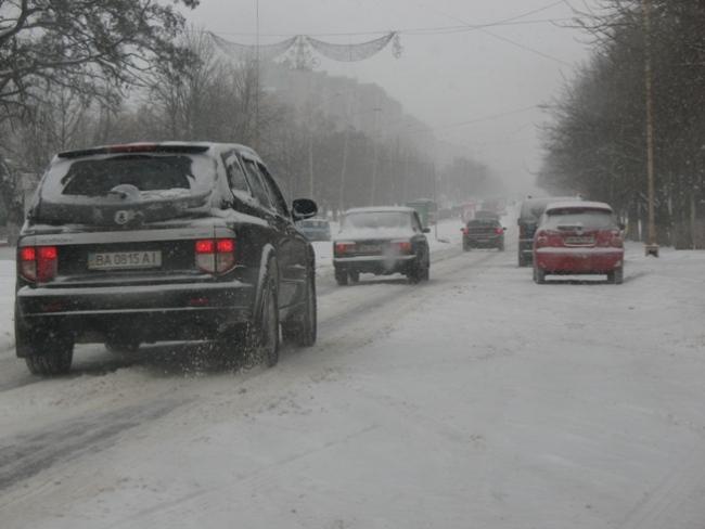 Езда на «автомате» зимой. На подобной дороге пригодится зимний режим W.