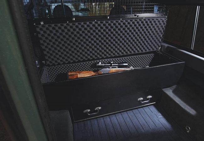 Land Rover Defender получил спецверсию для охотников