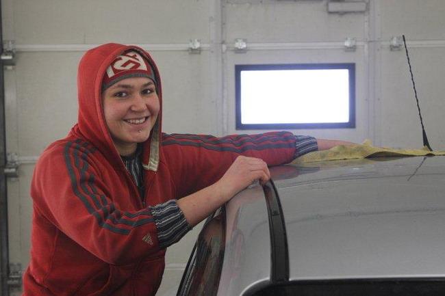 Если мыть машину в мороз, кузов напоследок нужно тщательно вытереть.